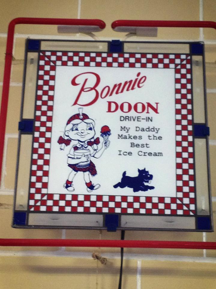 Bonnie Doon sign