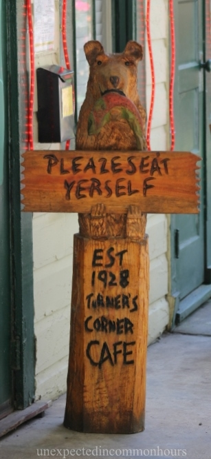 Turner's Corner seat yourself