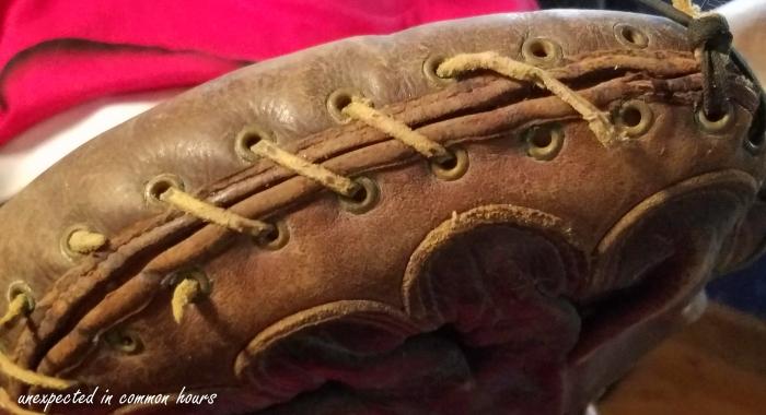 Catcher's mitt - stitching